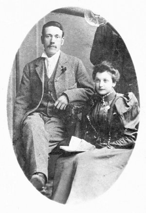 Bill's parents. Frank and Emily.  Wedding photo, 1897.