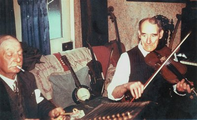 Walter and Billy Cooper during the 'English Country Music' sessions.