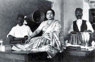 Gauhar Jan at a 1902 recording session