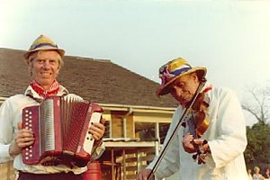 Late 1970s, George Renton and Henry William 'Fiddler' Sturch playing for the Ilmington Morris Men